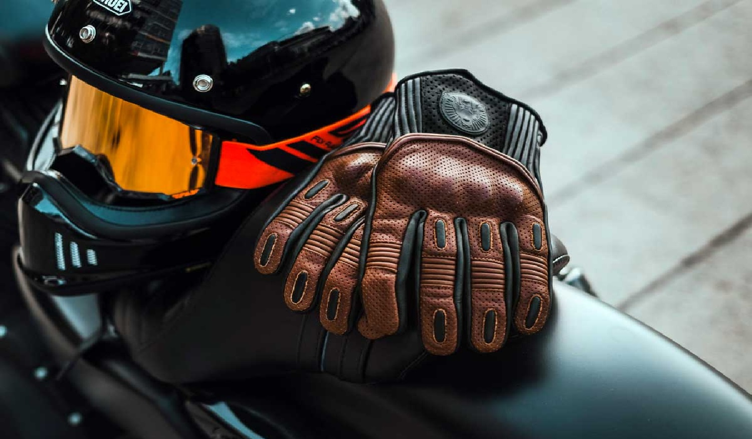 Protective gloves for riders
