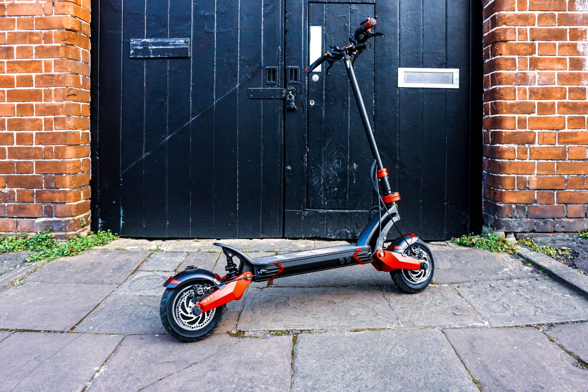 Varla Eagle One High performance scooter